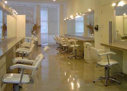 Donos de salão de beleza sofrem com redução de clientes em janeiro