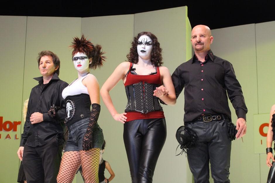 Para homenagear o rock, as modelos foram caracterizadas com maquiagens inspiradas na banda Kiss|Moisés Moraes/BSG