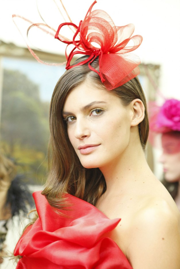 Os casquetes foram eleitos para acompanhar os looks festivos de Victor Dzenk|Marcio Madeira