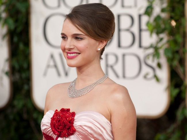 Raio-X do make de Natalie Portman no Globo de Ouro