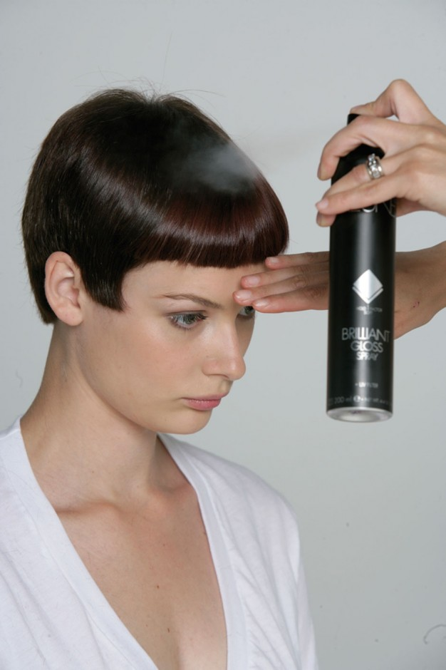 Foto 20: Finalize com Keune Society Hairspray ou com Shaping Hairspray e Keune Brilliant Gloss Spray|Alberto Foco