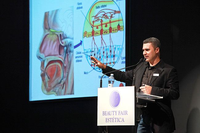 Fernando Amaral, especialista em aromas, durante palestra sobre marketing olfativo